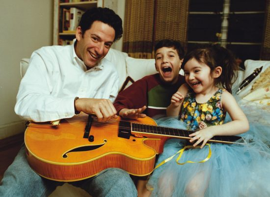 John Pizzarelli at home with his kids image 0