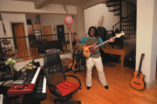 Richard Bona at home image 0