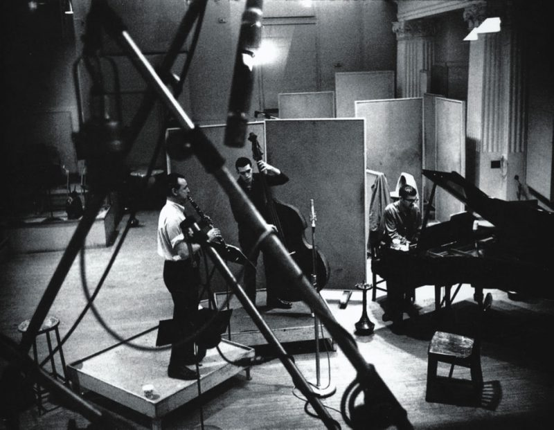 (L-R): Jimmy Giuffre, Steve Swallow and Paul Bley; New York, 1961