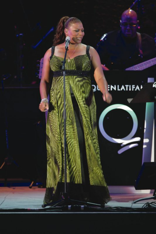 Queen Latifah onstage with bassist Christian McBride, Hollywood Bowl, July 2007