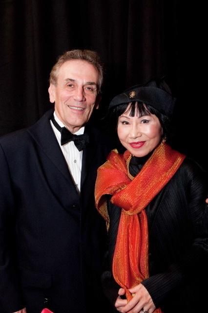 Lou Demattei, Amy Tan