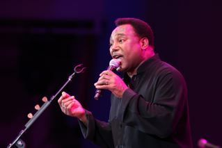 George Benson at 2010 Playboy Jazz Festival