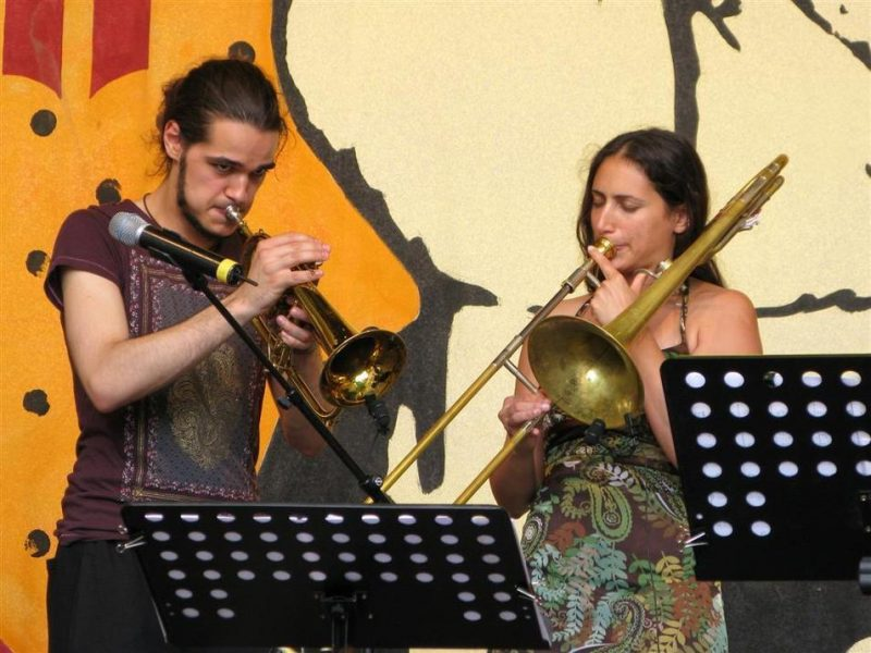 Paplo Giw from Iran and Reut Regev from Israel performing at the Roots Folk World Music Festival in Germany