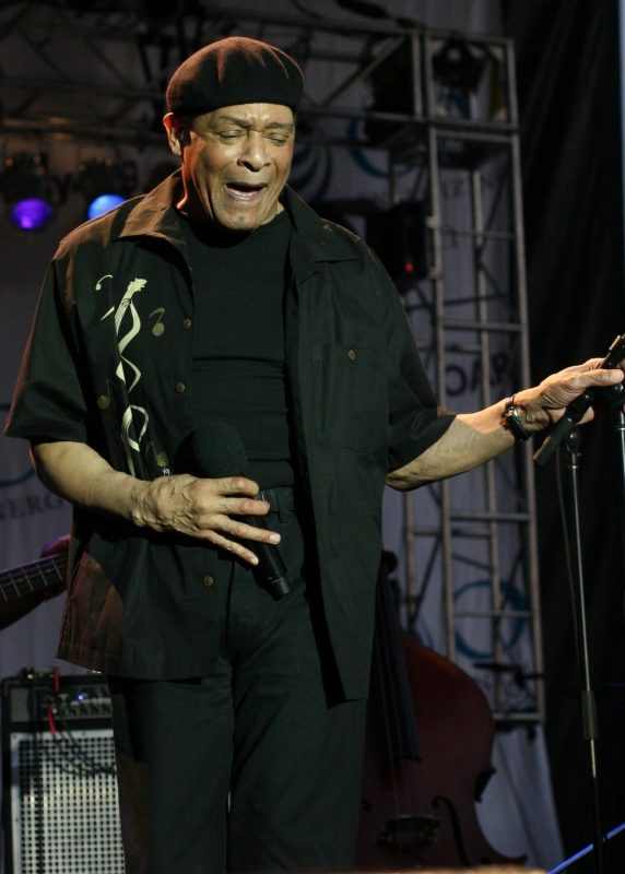 Al Jarreau performing at 2010 West Oak Lane Jazz Festival in Philadelphia