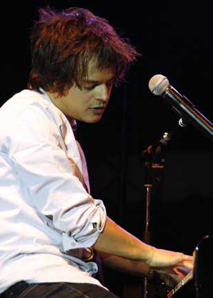 Jamie Cullum at at 2010 CareFusion Newport Jazz Festival