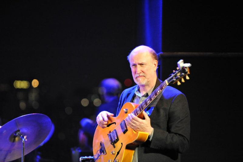John Scofield at the 3rd annual Playing Our Parts benefit concert in memory of bassist Dennis Irwin