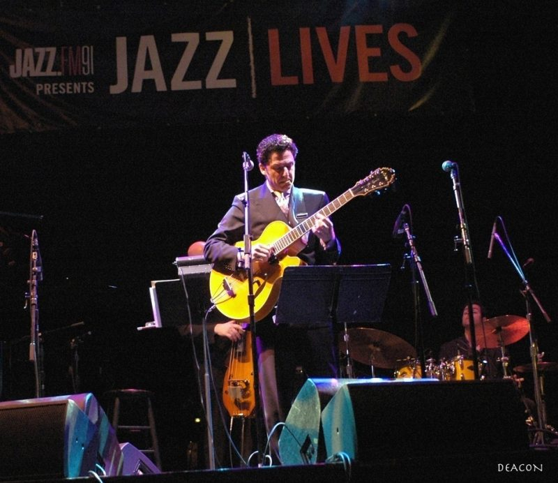 John Pizzarelli in performance in Jazz Lives series for Jazz-FM91