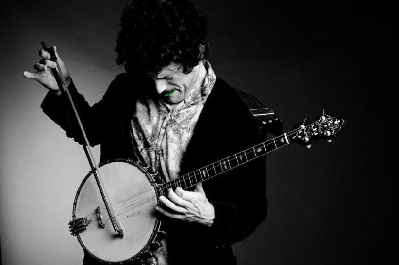 Banjo player Brandon Seabrook (photo: Michael Weintrob)
