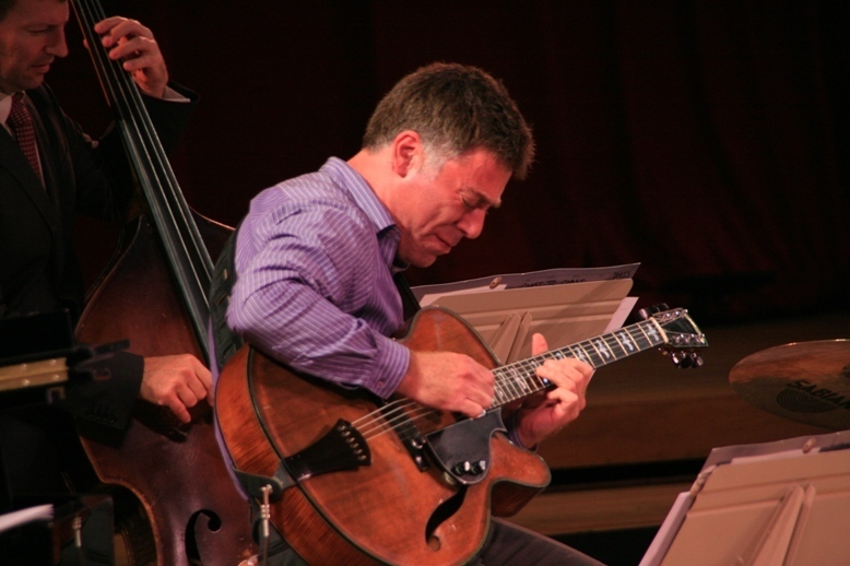 Guitarist Peter Bernstein and bassist John Webber performed with Jimmy Cobb at the 2011 Tanglewood Jazz Festival