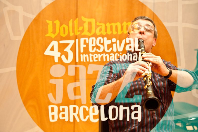 Gabriele Mirabassi in Master Class during Voll-Damm Barcelona Jazz Festival