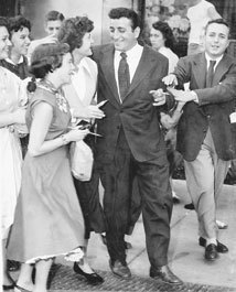 Tony Bennett and fans, 1947. Photo courtesy of Wiley