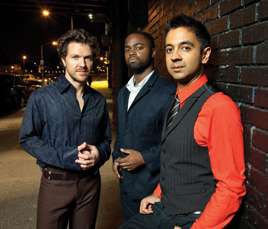 Vijay Iyer (r.) with Stephan Crump (l.) and Marcus Gilmore