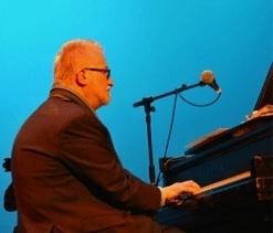 Pianist George Mesterhazy Dies at 59