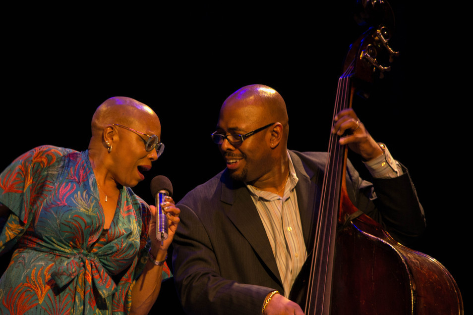Dee Dee Brigewater and Christian McBride entertain the audience at Jazz for Obama concert