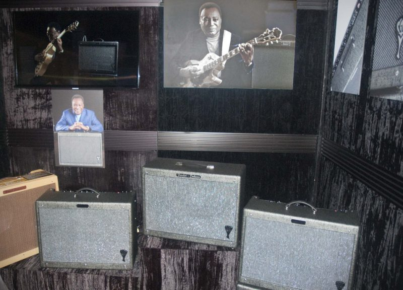 A display for Fender's new George Benson Hot Rod Deluxe amp, Winter NAMM 2013