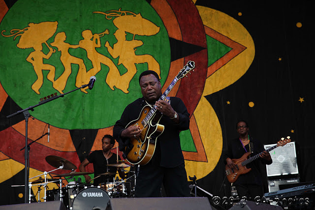 George Benson at New Orleans Jazz Fest 2013, Weekend One