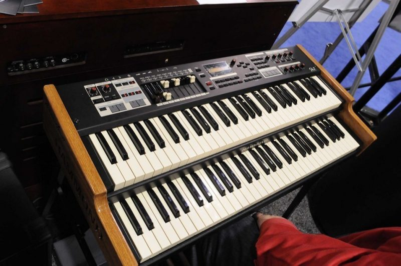 Hammond's limited-edition signature Dr. Lonnie Smith Sk2 organ, on display at Winter NAMM 2014
