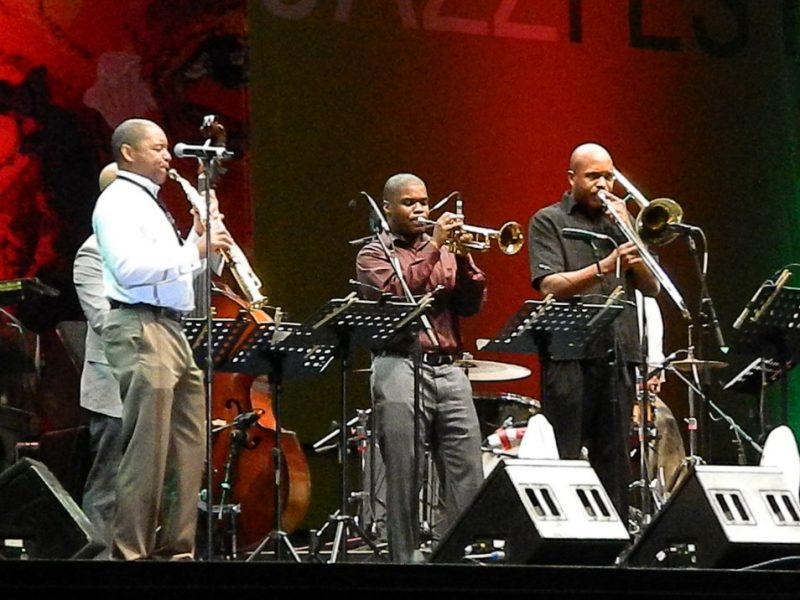 Branford Marsalis and his group in performance at the 2014 Puerto Rico Heineken Jazz Festival