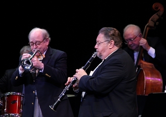 Jim Cullum (l.) and two of his band's alumni: bassist Don Mopsick and clarinetist Allan Vaché, Sarasota, Florida, 3/14