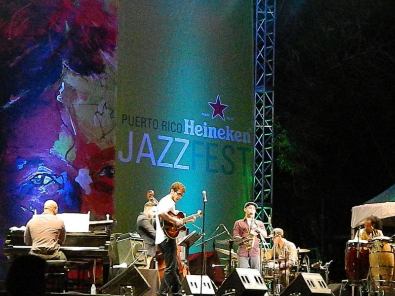 Gabriel Vicens in performance at the 2014 Puerto Rico Heineken Jazz Festival