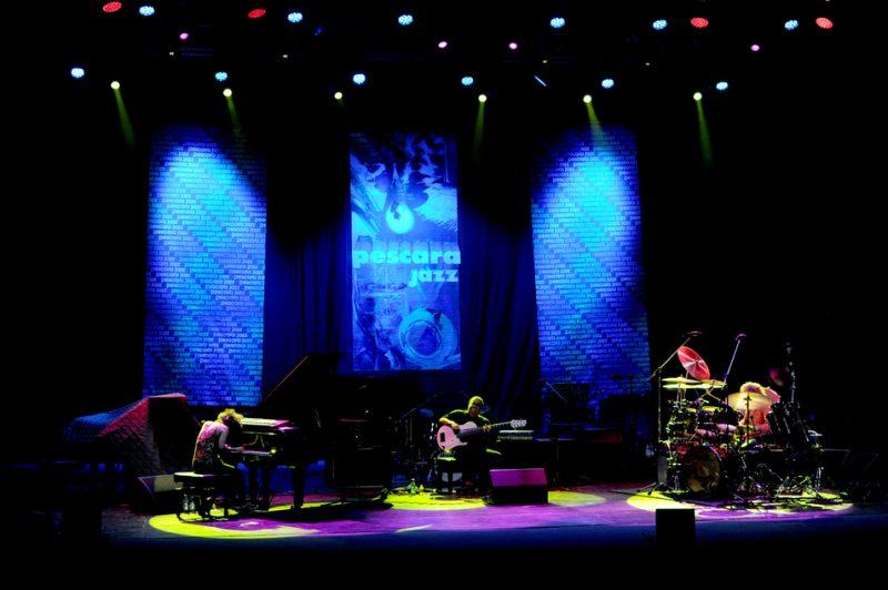 Hiromi, Anthony Jackson, Simon Phillips: Pescara Jazz, Italy, 2014