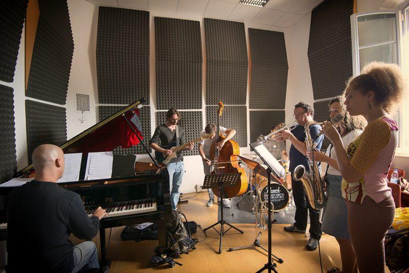 Stefano Battaglia's ensemble class. Siena Jazz Workshops, 2014. Foreground: Johanna Schneider