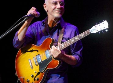 Photos: Larry Carlton at The Sandler Center for the Performing Arts