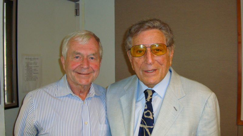 Dick Golden (l.) with Tony Bennett