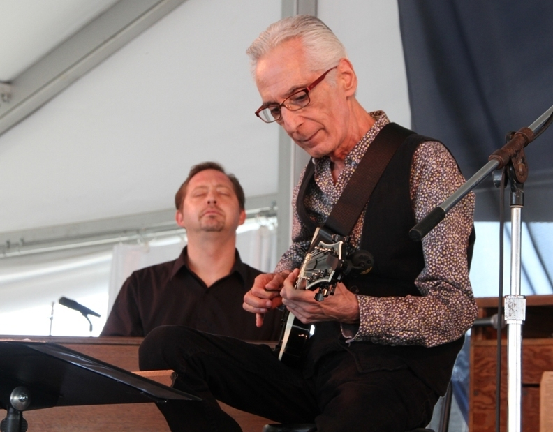 Guitarist Pat Martino (r.) and Hammond B-3 player Pat Bianchi at the 2015 Newport Jazz Festival