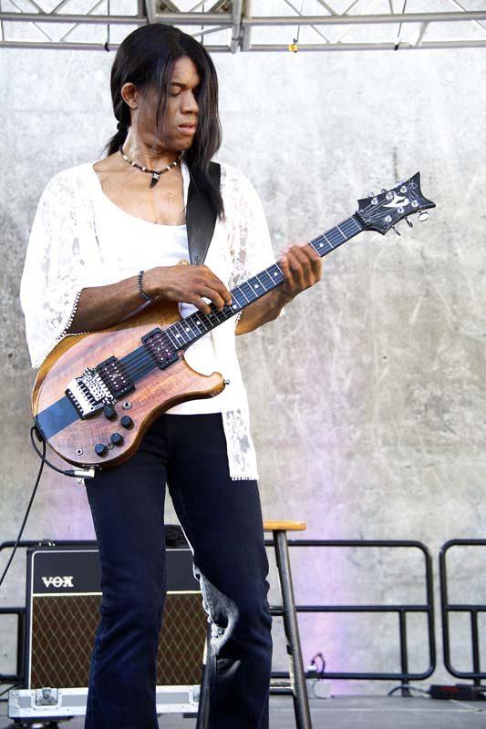 Stanley Jordan at the 2015 Detroit Jazz Festival. Photo courtesy of the festival