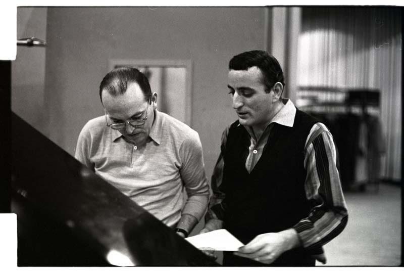 Ralph Sharon (l.) with Tony Bennett c. 1959