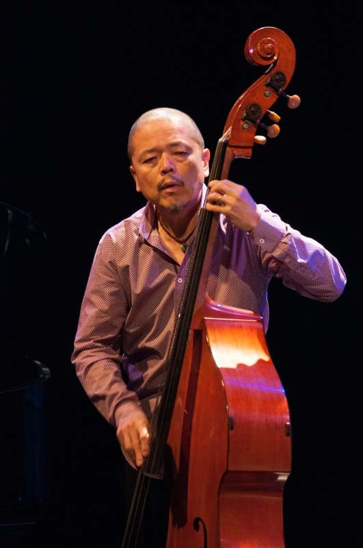 Kiyoshi Kitagawa performs with Kenny Barron at the 2016 Montreal International Jazz Festival