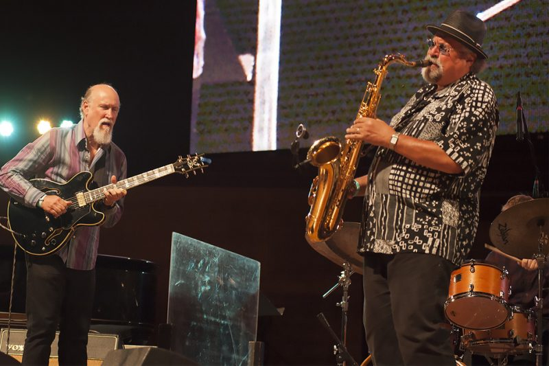 John Scofield (left) and Joe Lovano perform at the 2016 Chicago Jazz Festival