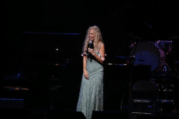 "Wendy Oxenhorn performs at the 15th Annual ""A Great Night in Harlem"""