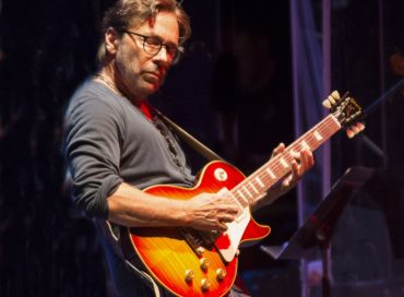 Al Di Meola Announces North American Tour Dates for 2017