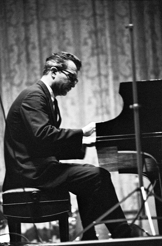 Dave Brubeck in the early 1960s (photo by Joe Alper/ courtesy of Joe Alper Photo Collection LLC)