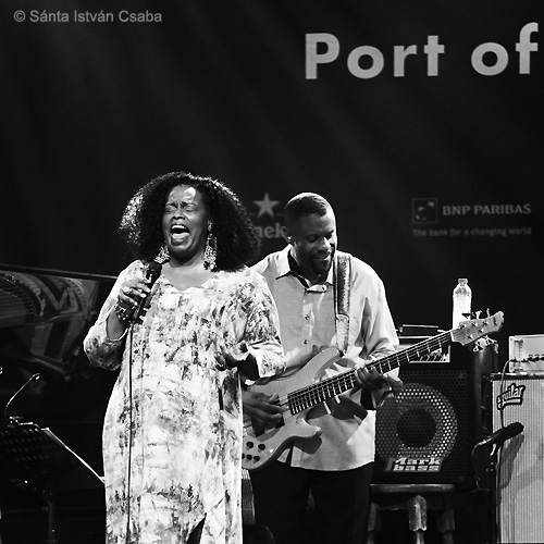 Dianne Reeves with Reginald Veal (photo by Sánta István Csaba)