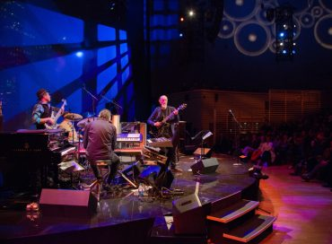 Concert Review: John Scofield's Quiet and Loud Jazz at JALC