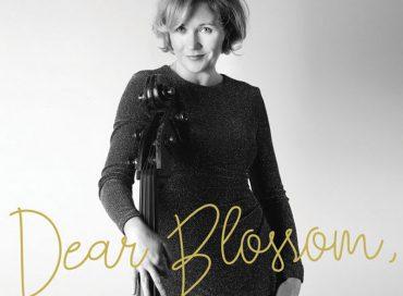 Nicki Parrott: Dear Blossom (Arbors)