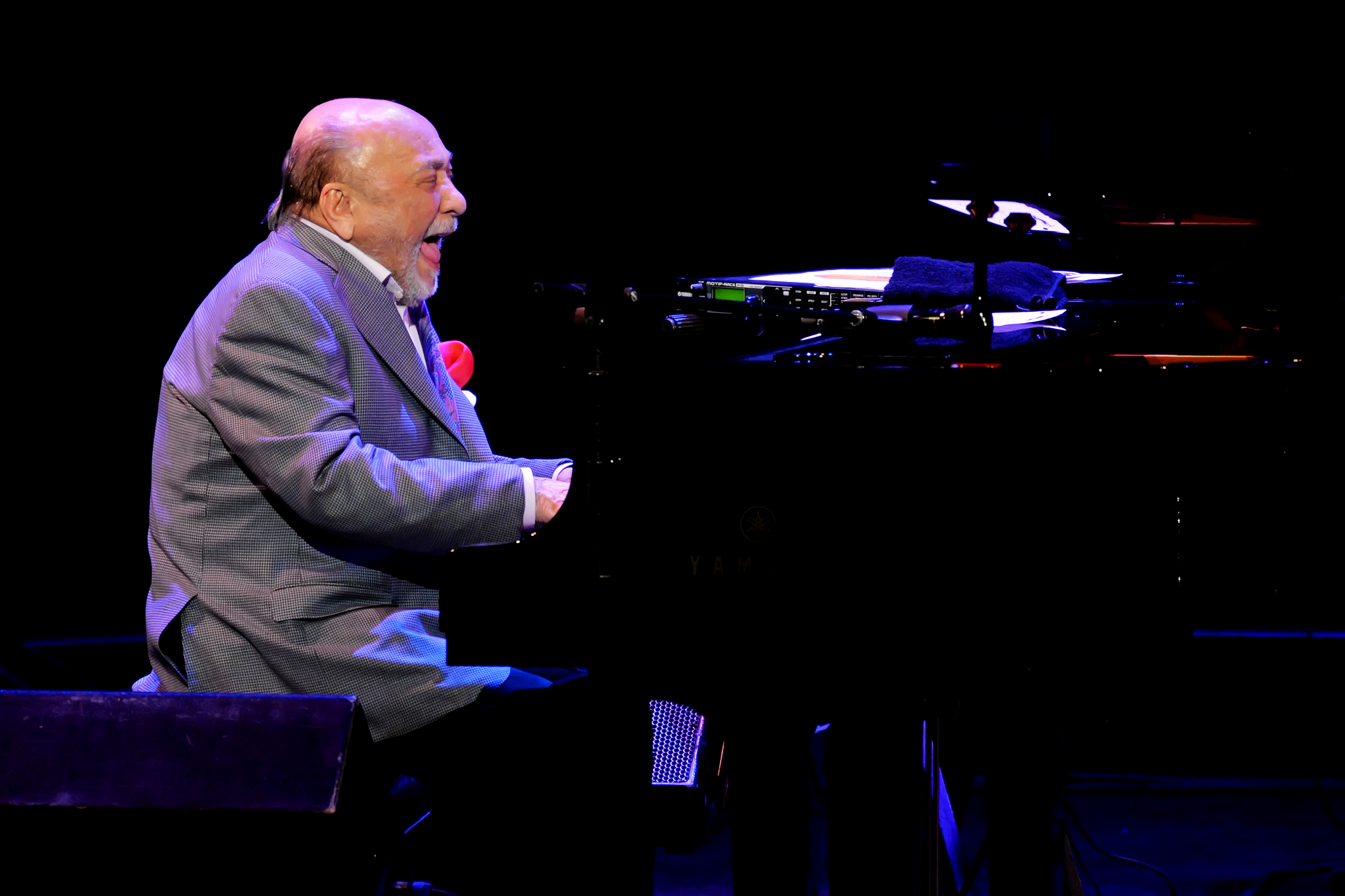 Eddie Palmieri performs in tribute to impresario Todd Barkan (photo by Shannon Finney)