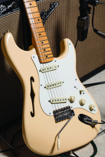 Fender Eric Johnson Signature Thinline Stratocaster