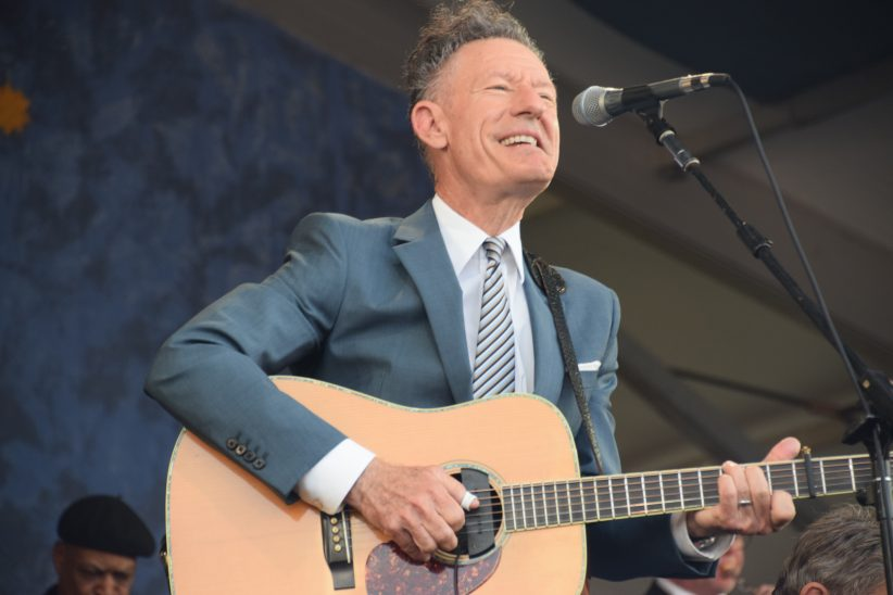Lyle Lovett performing at the 2018 New Orleans Jazz & Heritage Festival (photo by Joel A. Siegel)