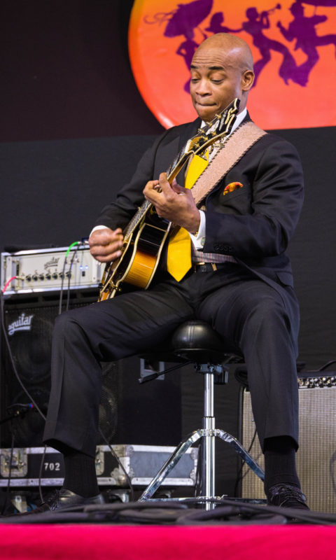 Russell Malone in performance with Ron Carter at the 2018 New Orleans Jazz & Heritage Festival (photo by Mark Robbins)