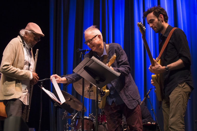 Charles Lloyd (L) and Bill Frisell turn the page, with Julian Lage looking on, at the 2018 Healdsburg Jazz Festival (photo by George B. Wells)