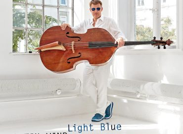 Martin Wind: Light Blue (Laika)