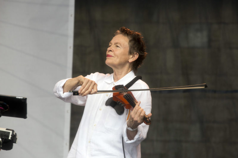 Laurie Anderson at the 2018 Newport Jazz Festival (photo: Alan Nahigian)