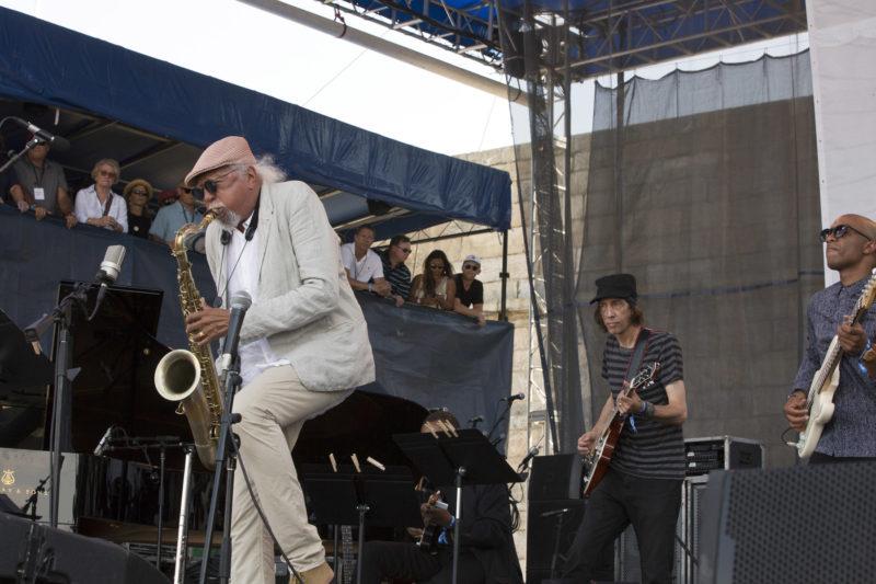 L to R: Charles Lloyd, Stuart Mathis, and Reuben Rogers at the 2018 Newport Jazz Festival (photo: Alan Nahigian)