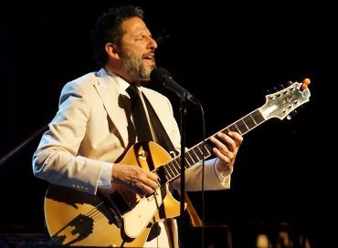 "JT Video Premiere: ""Straighten Up and Fly Right"" by the John Pizzarelli Trio"
