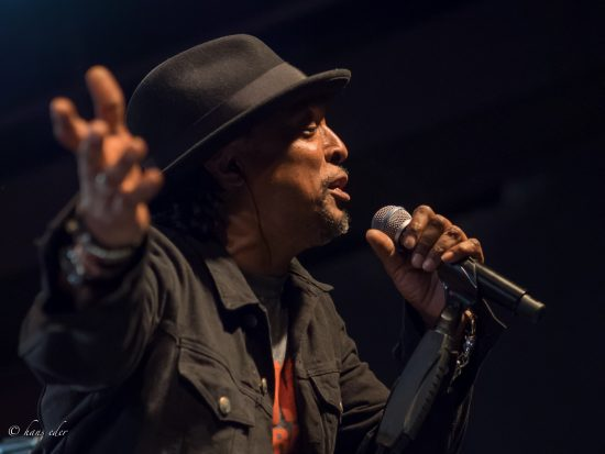 Bernard Fowler (photo by Hans Elder)