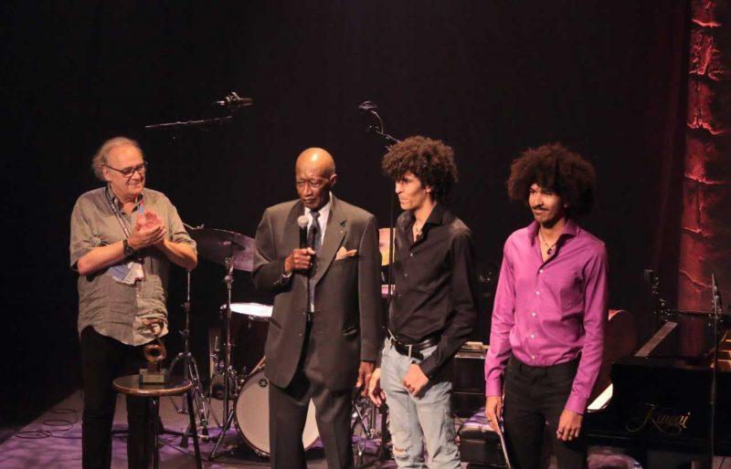 Wray Downs receives the Oscar Peterson Award